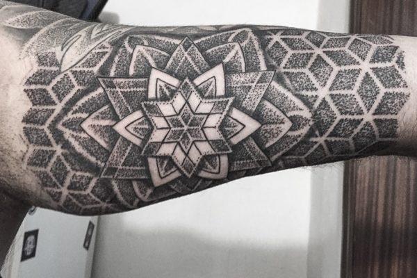 tatuajes dotwork barcelona (3)
