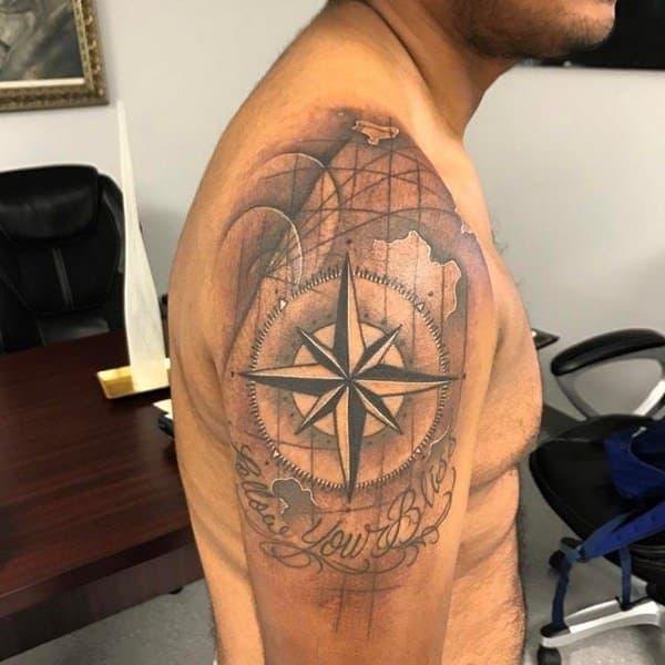 ideas-tatuajes-brujula-barcelona