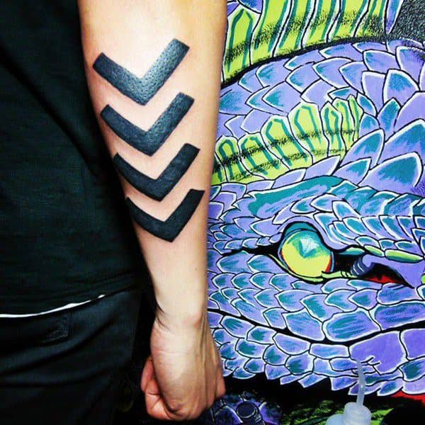 tatuaje de flechas grande