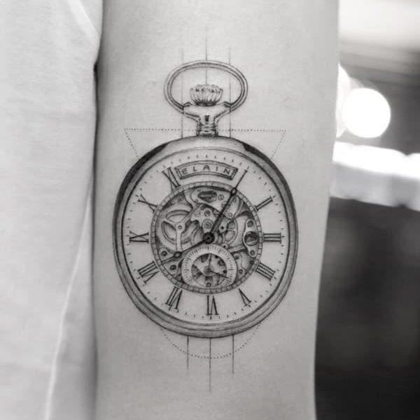 tatuaje reloj bolsillo