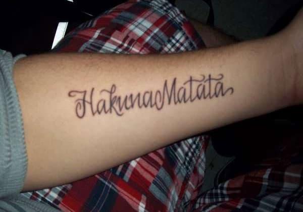ideas-tatuajes-hakuna-matata