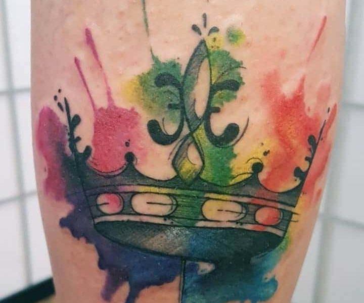Tatuaje de Corona Acuarela