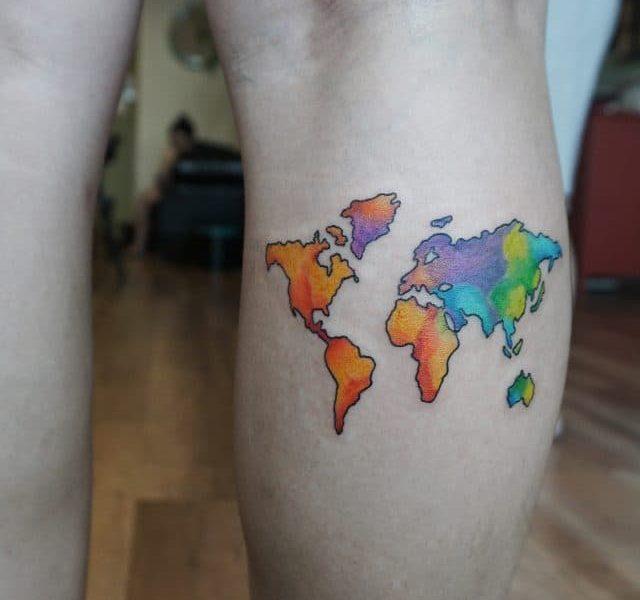 Tatuaje mapamundi color