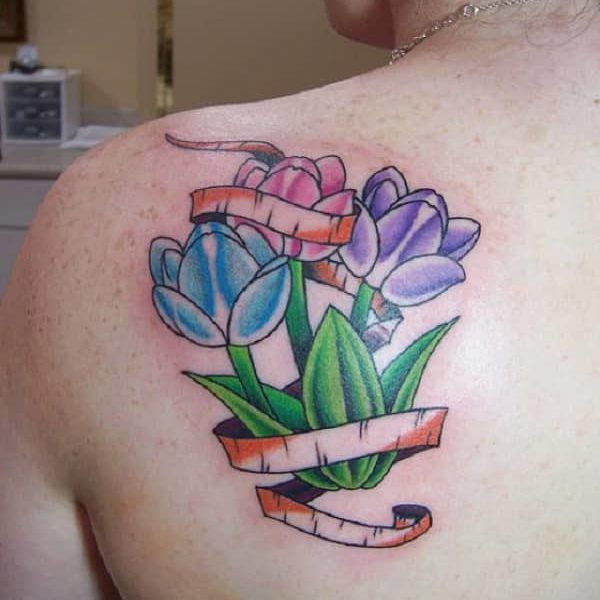Tatuaje de tulipán
