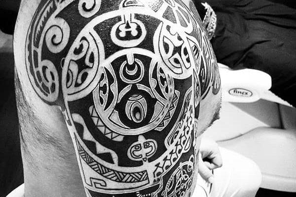 tatuaje azteca brazo barcelona