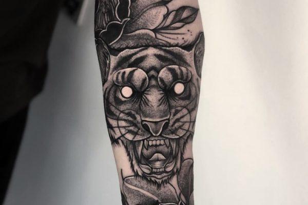 Tatuaje Antebrazo Barnatattoo