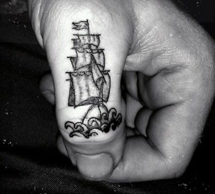 tatuaje dedos Barnatattoo