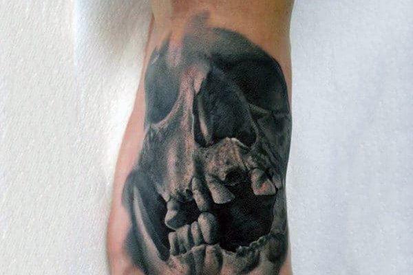 foot-mens-terrific-skull-tattoo